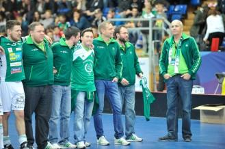 Fanky (ganz links) und die Trainercrew inklusive Sportchef Marcel Siegenthaler (ganz rechts; Hans Ulrich Muelchi / www.fotohum.ch)